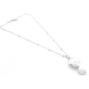 Collier de plusieurs perles