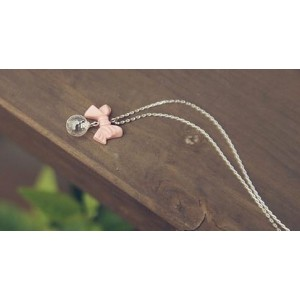 Collier noeud rose